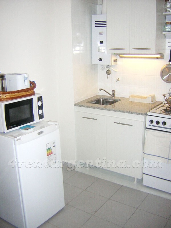 Montevideo and Peron: Furnished apartment in Congreso