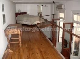 Apartamento Carlos Calvo e Piedras - 4rentargentina