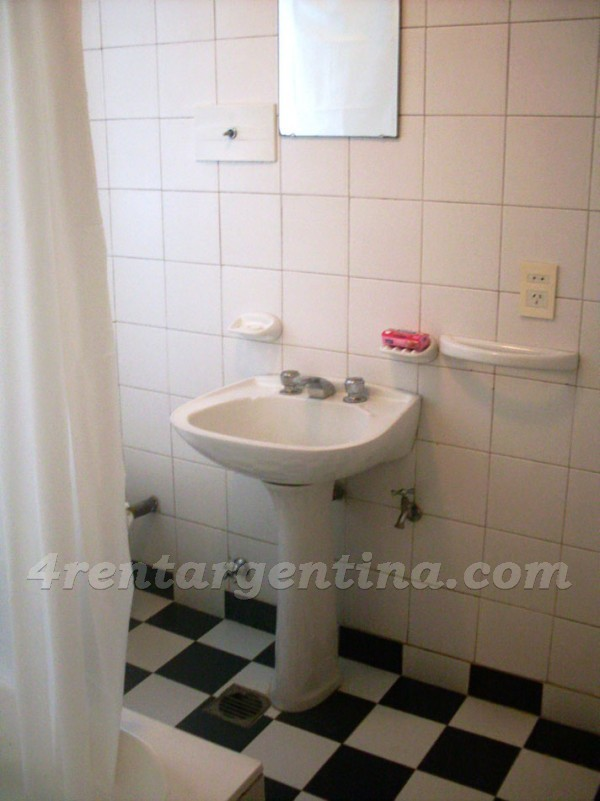 Corrientes and Uruguay I: Furnished apartment in Downtown