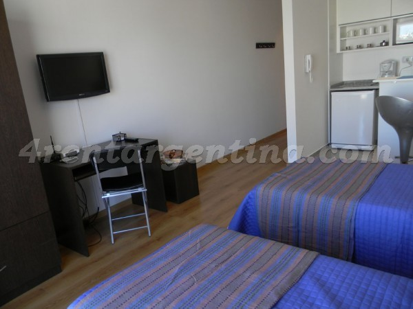 Corrientes and Jean Jaures V: Furnished apartment in Abasto