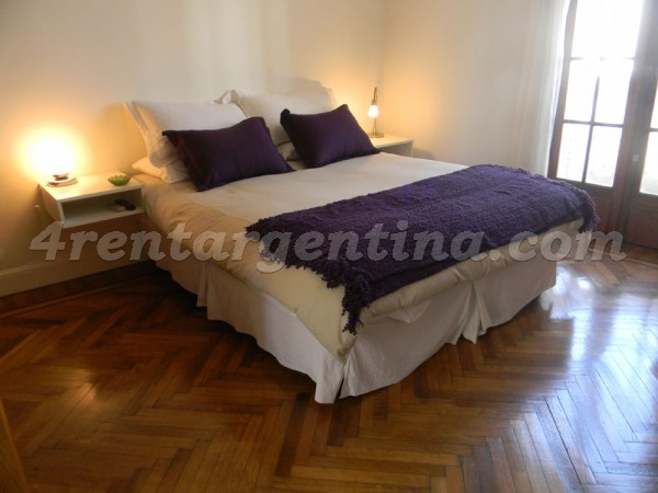 Venezuela and Tacuari, apartment fully equipped
