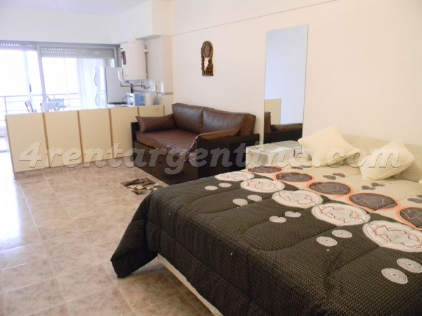 Hipolito Yrigoyen and Alberti: Apartment for rent in Congreso