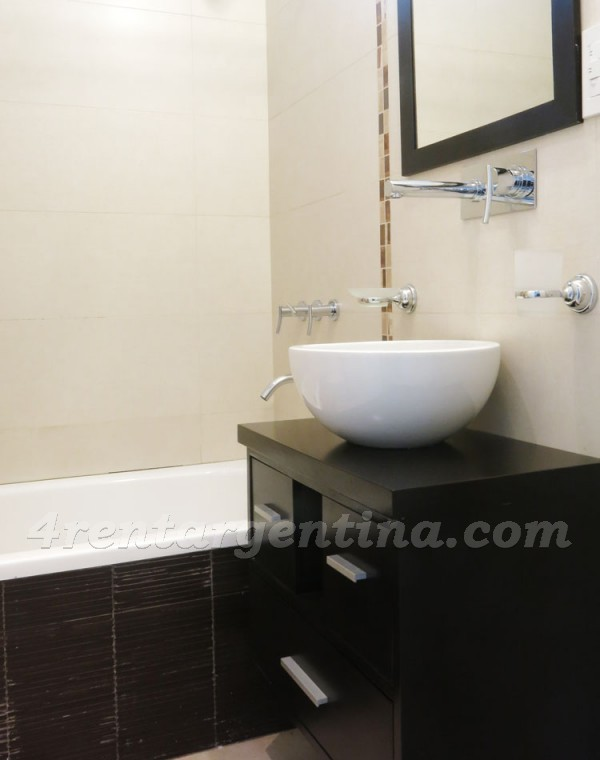 Thompson and Hualfin: Furnished apartment in Caballito
