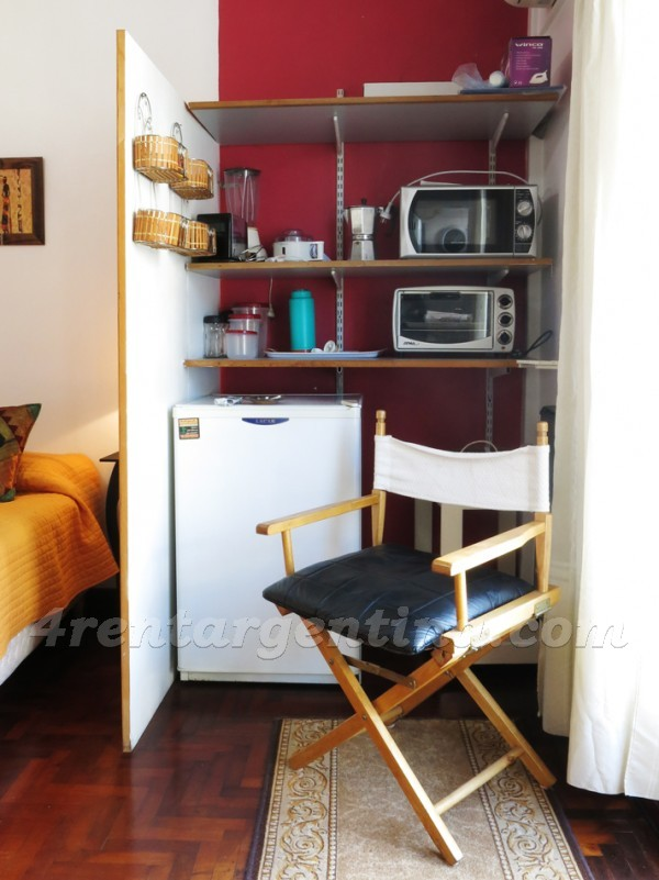Uriburu and Rivadavia: Furnished apartment in Congreso
