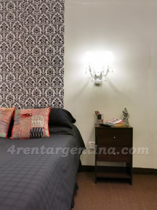 H. Yrigoyen and Piedras II: Apartment for rent in Downtown