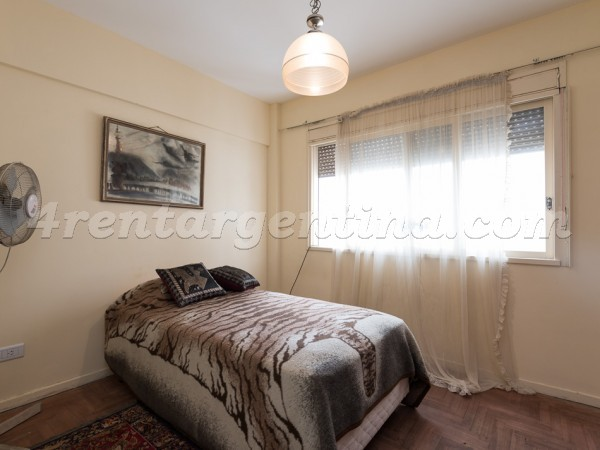 Corrientes and Yatay: Furnished apartment in Almagro