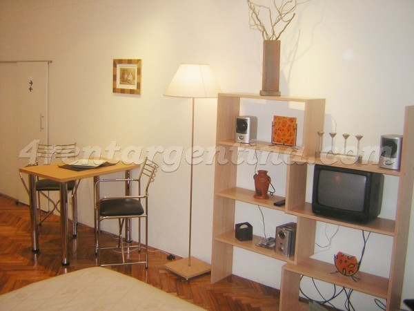 Pe�a and Ayacucho: Apartment for rent in Recoleta