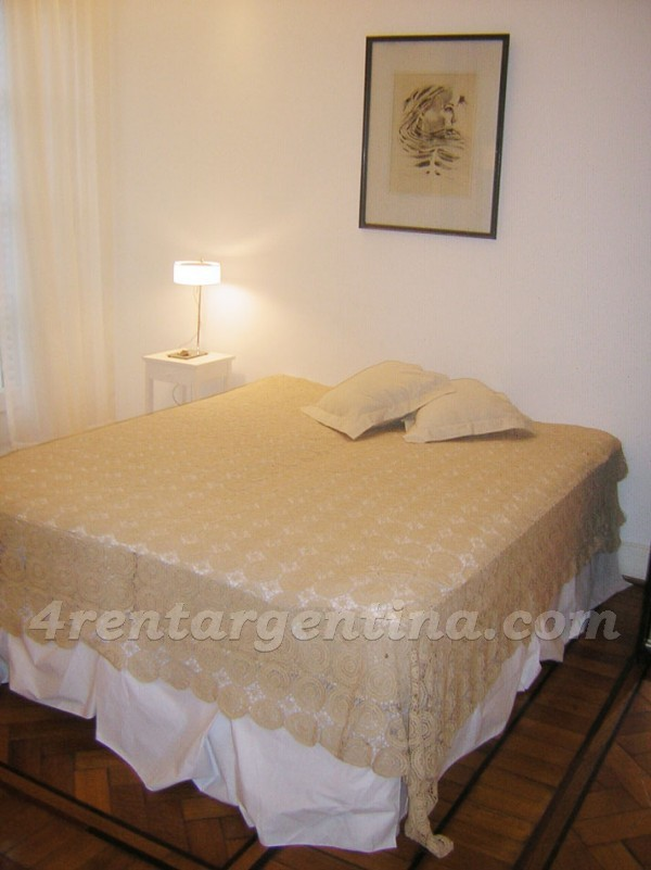 Parana and Rivadavia, apartment fully equipped