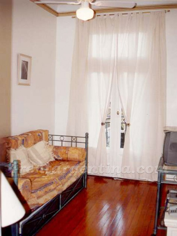 Guido et Junin I: Furnished apartment in Recoleta