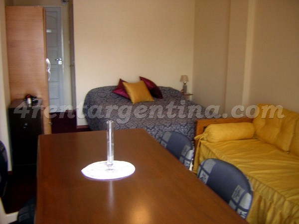 Apartment H. Yrigoyen and Pichincha - 4rentargentina